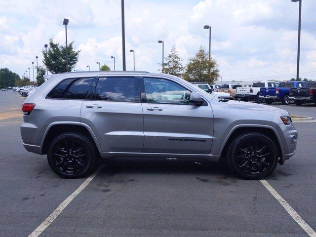 2017 Jeep Grand Cherokee ALTITUDE Sport Utility Slide