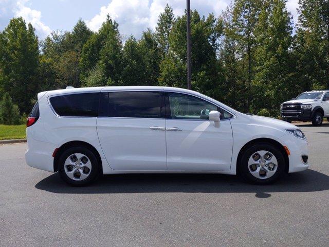 2018 Chrysler Pacifica HYBRID TOURING PLUS Mini-van, Passenger Slide