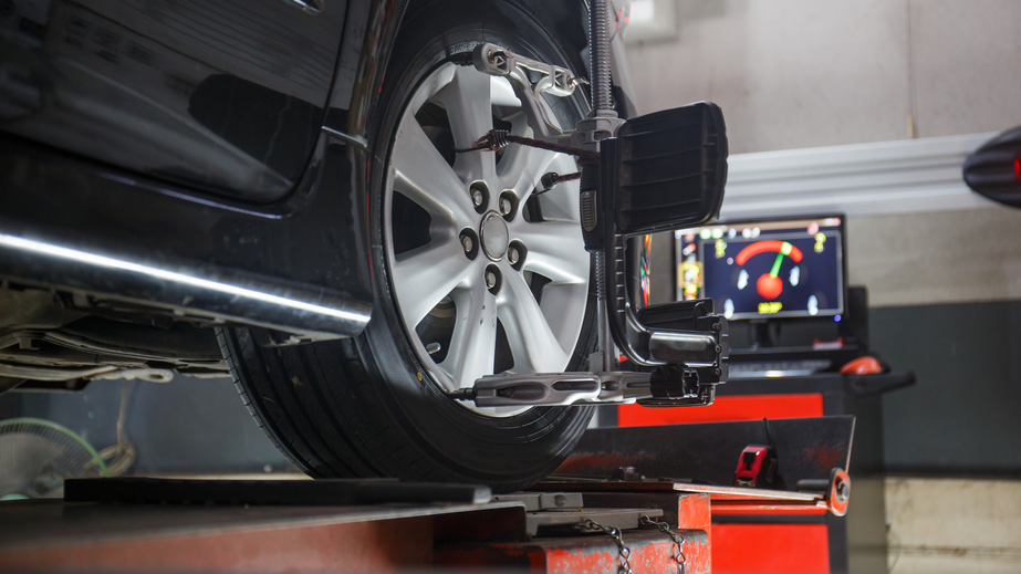 COMPUTERIZED WHEEL ALIGNMENT*