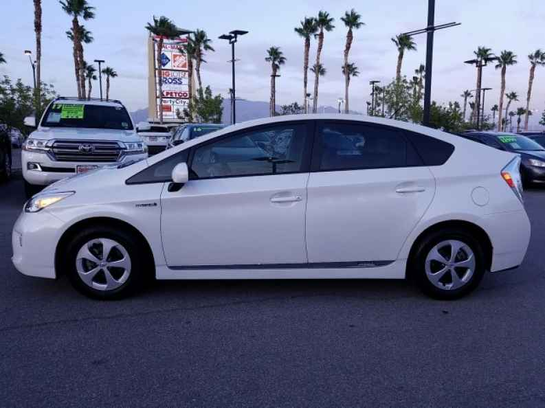 used toyota prius for sale at toyota dealer in las vegas
