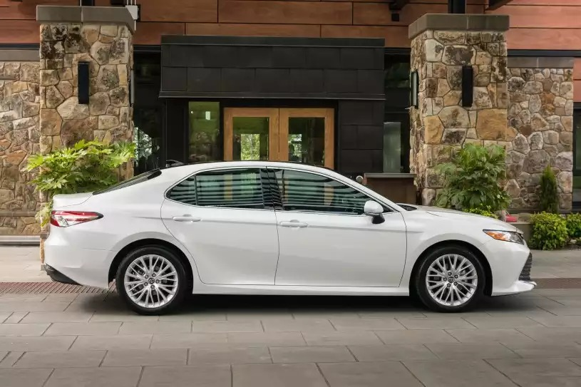 New 2018 Toyota Camry in Clinton