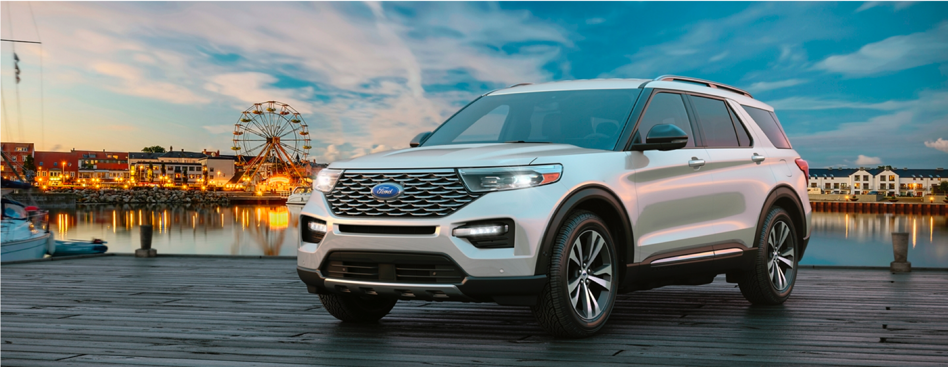 2020 Ford Explorer style=