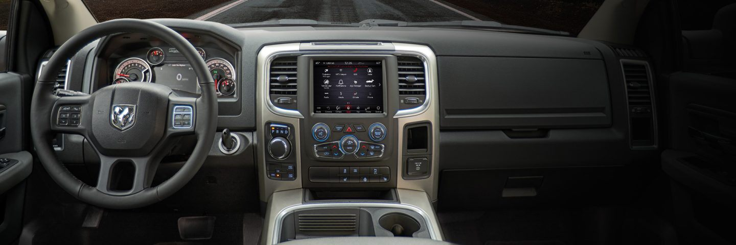 RAM 1599 Apple CarPlay