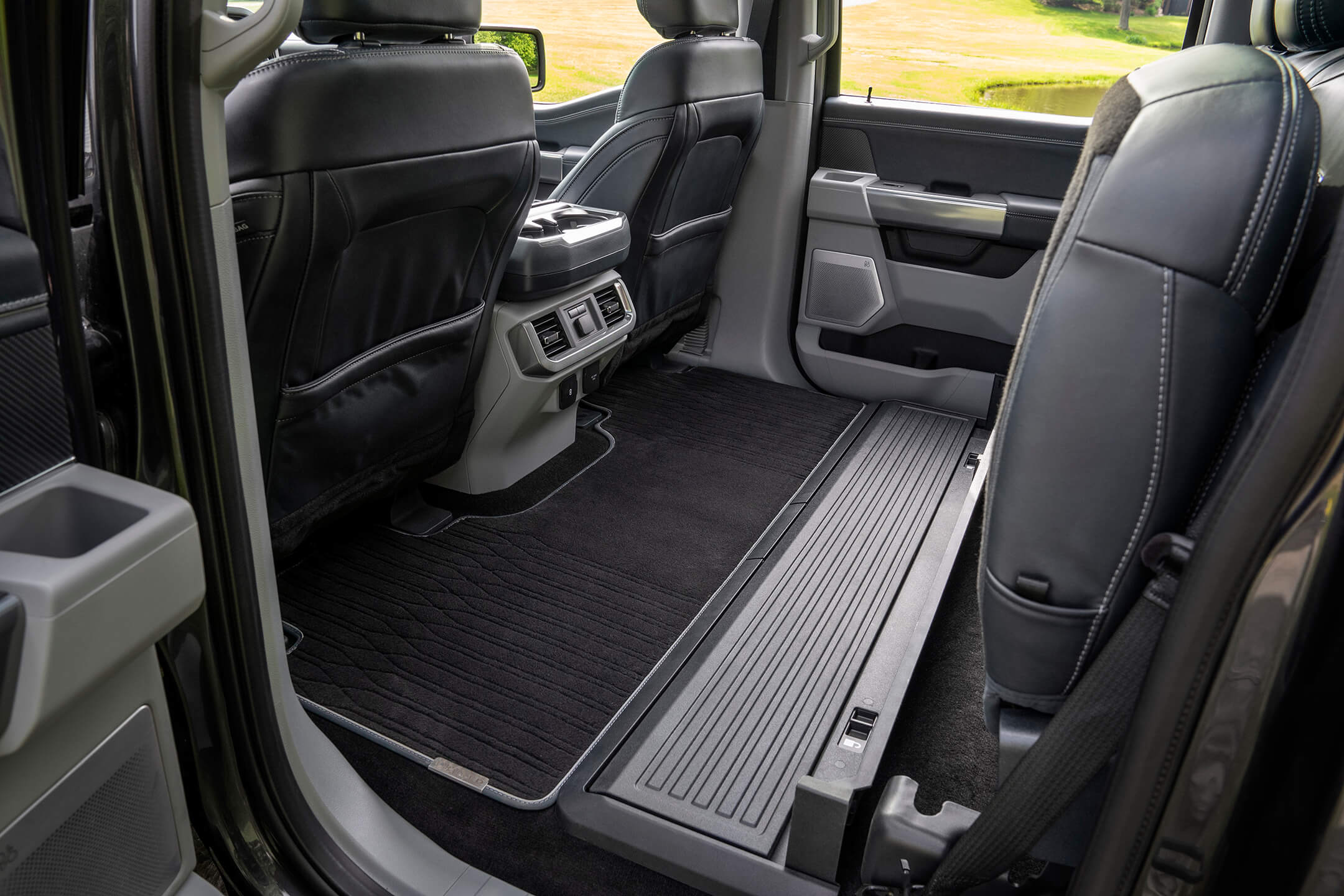 ford f150 rear seating